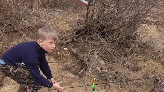 Рыбалка на Оке в начеле апреля Миша меня обловил