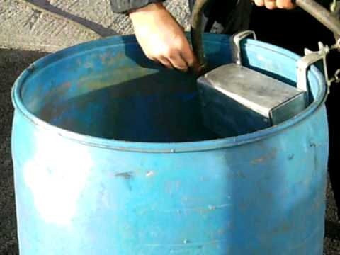 Portable water valve unit    - attaching unit to barrel