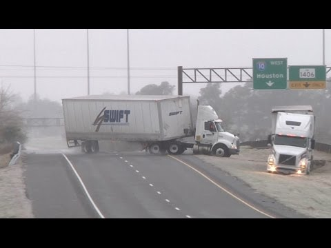 HD Tractor-trailer jackknife and Texas icy slides caught on camera - January 24, 2014