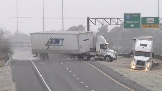 HD Tractor-trailer wreck and Texas icy slides caught on camera - January 24, 2014