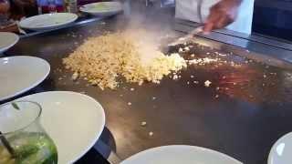 Популярный во всем мире японский стейк-хаус «Бенихана» — это и ресторан, и театр одновременно
