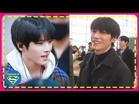 NCT Taeyong Was Seen Greeting A Cameraman From Dis Patch During A Departure... You Can't Help But