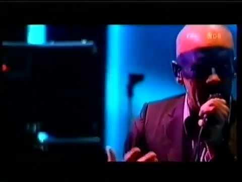R.E.M. Me In Honey Live at Rock Werchter 2005 Pro-Shot