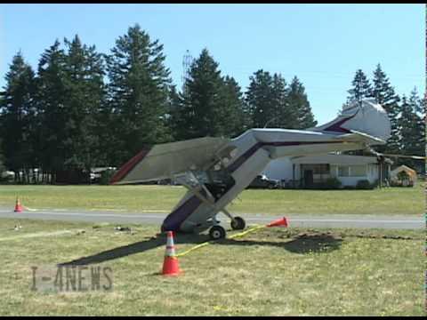 plane nearly bent in half while uprighting at crash scene. Black Bedroom Furniture Sets. Home Design Ideas