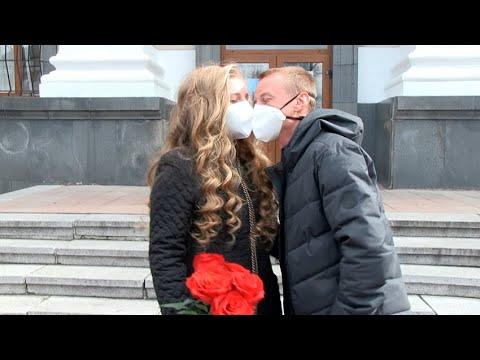 Житомир.info | Новости Житомира: Як одружують пар під час карантину у Житомирі  - Житомир.info