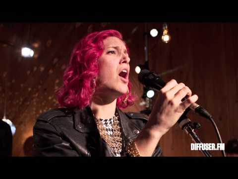 Ms Mr Performs 'Think Of You'