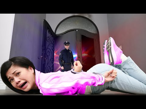 FBI ARREST US for Crimes Committed in GTA 5 and Do Lie Detector Test on my Friends!