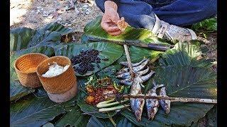 ลุยลาว EP31:แวะพักกินข้าวป่า ปิ้งปลายอน แจ่วหมากกอก ปีนขึ้นเก็บหมากขามป้อมป่า