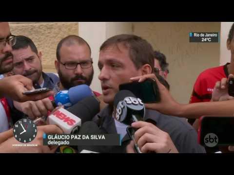 Homem em liberdade condicional faz passageiros de ônibus reféns - SBT Brasil (21/03/17)