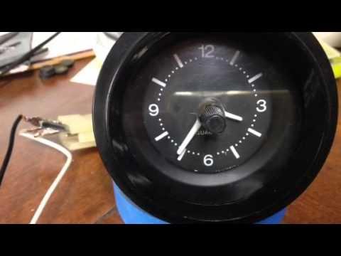 Quartz clock datsun