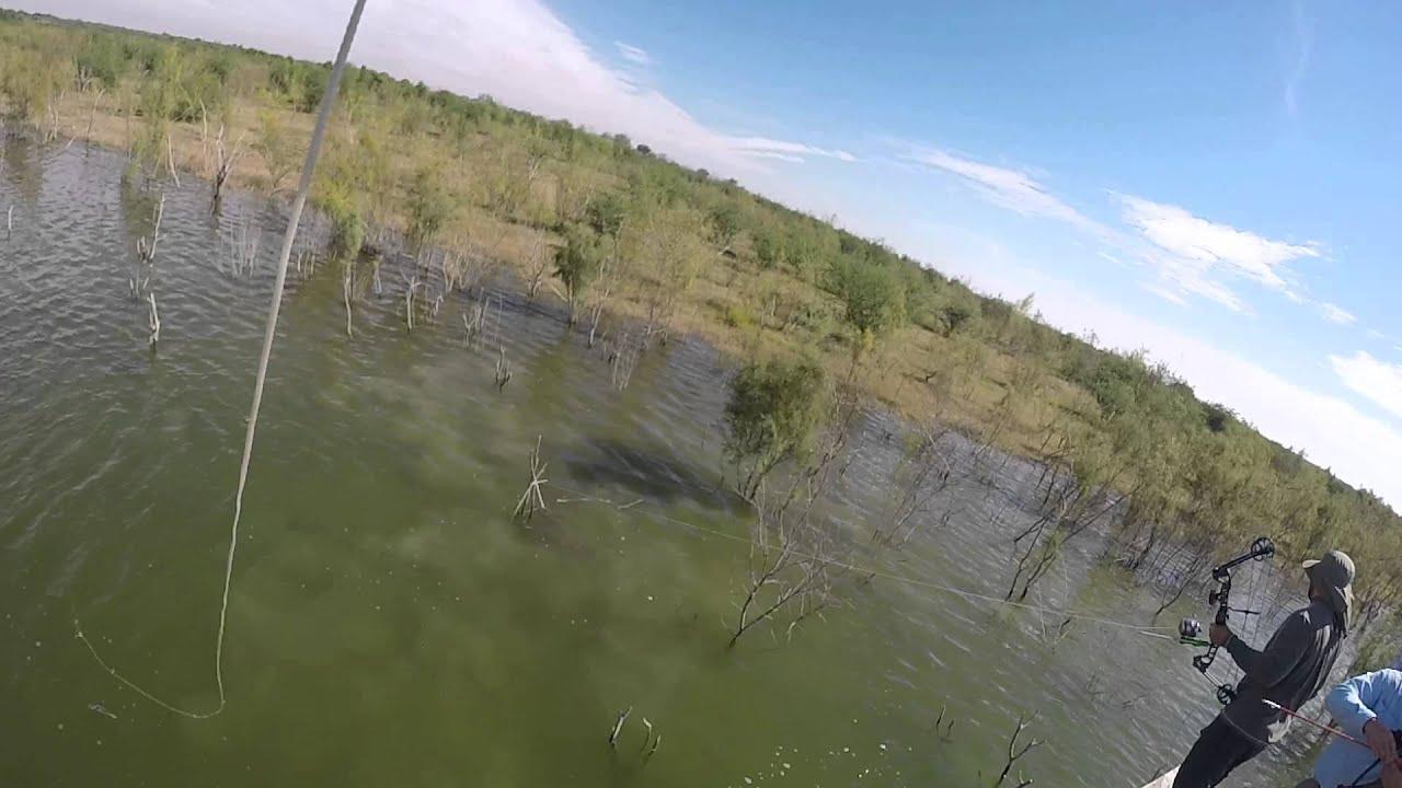 Falcon lake bow fishing youtube for Falcon lake fishing