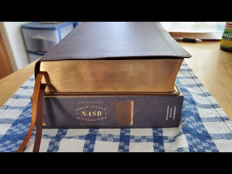 Zondervan NASB Single Column Reference Bible - A Quick Glimpse