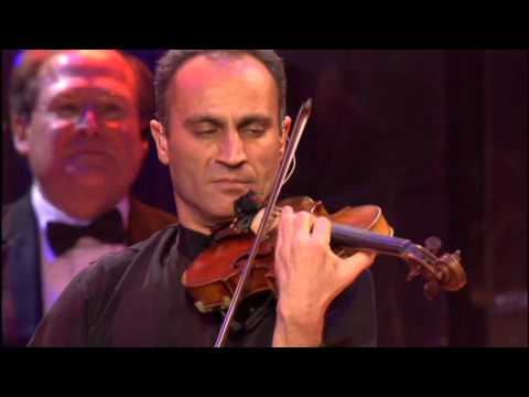 Yanni Live! The Concert Event 1