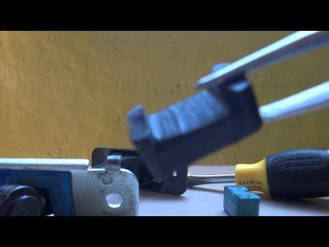 Как отремонтировать фиксаторы дверей Hyundai Accent