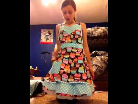 60s cupcake baker costume tutorial - YouTube