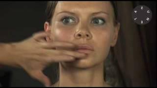 Zuneta presents BECCA - Shimmering Skin Perfector