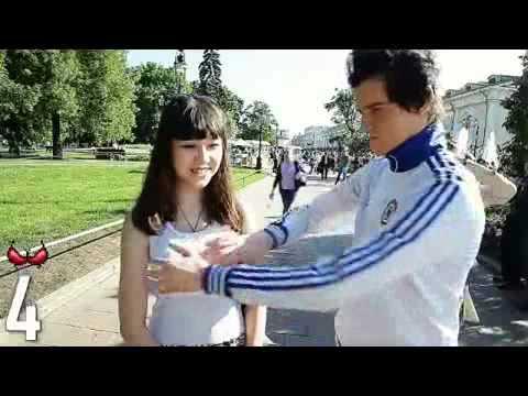 Sờ ngực 1000 cô gái vì Putin