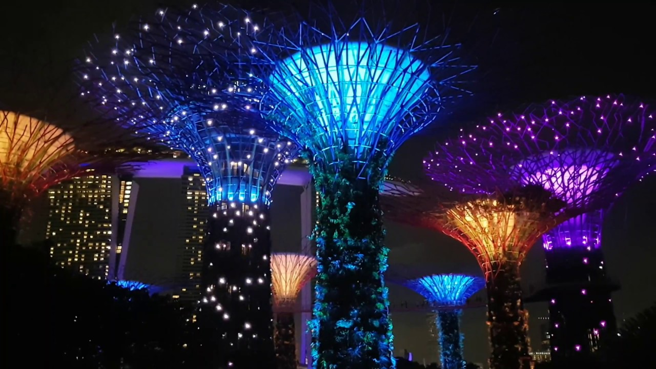 Garden Rhapsody Light Show at Gardens by the Bay Singapore 2018 Full HD - YouTube