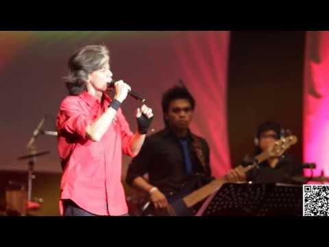 Fariz RM - Sakura [LIVE at Java Jazz 2011]