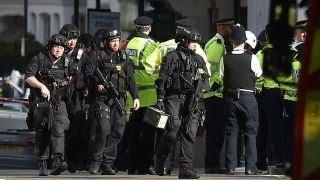 Massive manhunt under way after explosion on London subway thumbnail