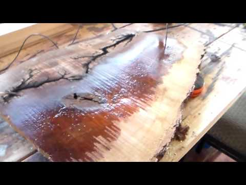 High Voltage wood burning - dont try this at home dont me like Mike you might die