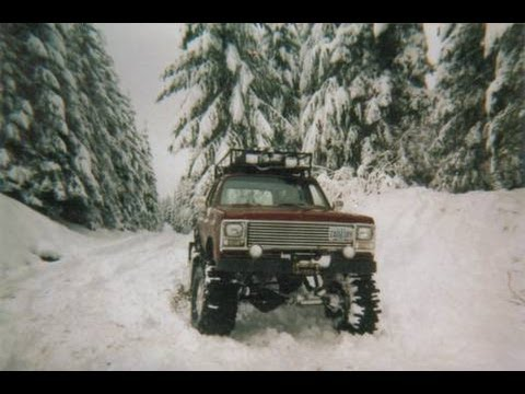 chevrolet suburban gmc sierra classic 2500 v8 1985 off road crossen! - YouTube