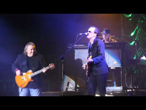Joe Bonamassa - Further Up The Road (with Bernie Marsden) live Bournemouth - 30/3/2012