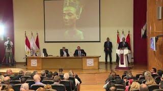 """مصر تأمل في """"اكتشاف القرن"""" مع مقبرة نفرتيتي او غيرها"""