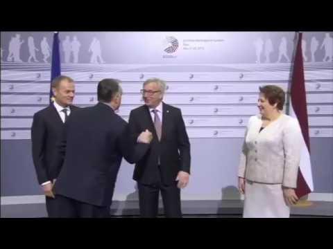 Jean Claude Juncker drunk - Juncker pijany