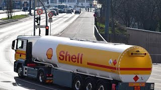 Oil price crash will cost Shell $800M