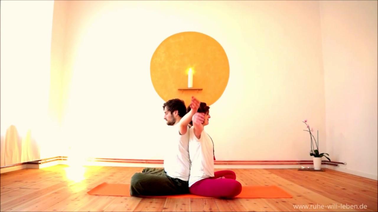 Partneryoga - Yoga zu zweit | Verbundenheit - YouTube