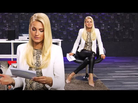 listen-to-the-latest-news-by-the-way!-with-anne-kathrin-kosch-at-pearl-tv-(april-2020)-4k-uhd