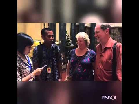 INTERVIEWING TOURIST FROM ENGLAND AT BANK INDONESIA MUSEUM