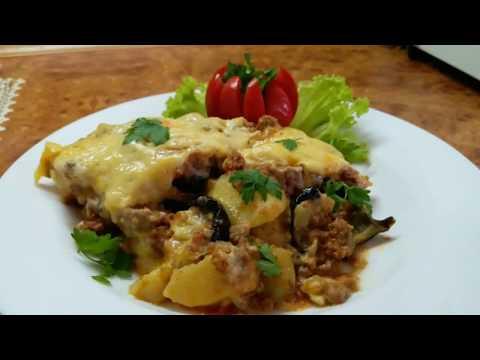 Картофель с фаршем и баклажанами под соусом бешамель. Мусака