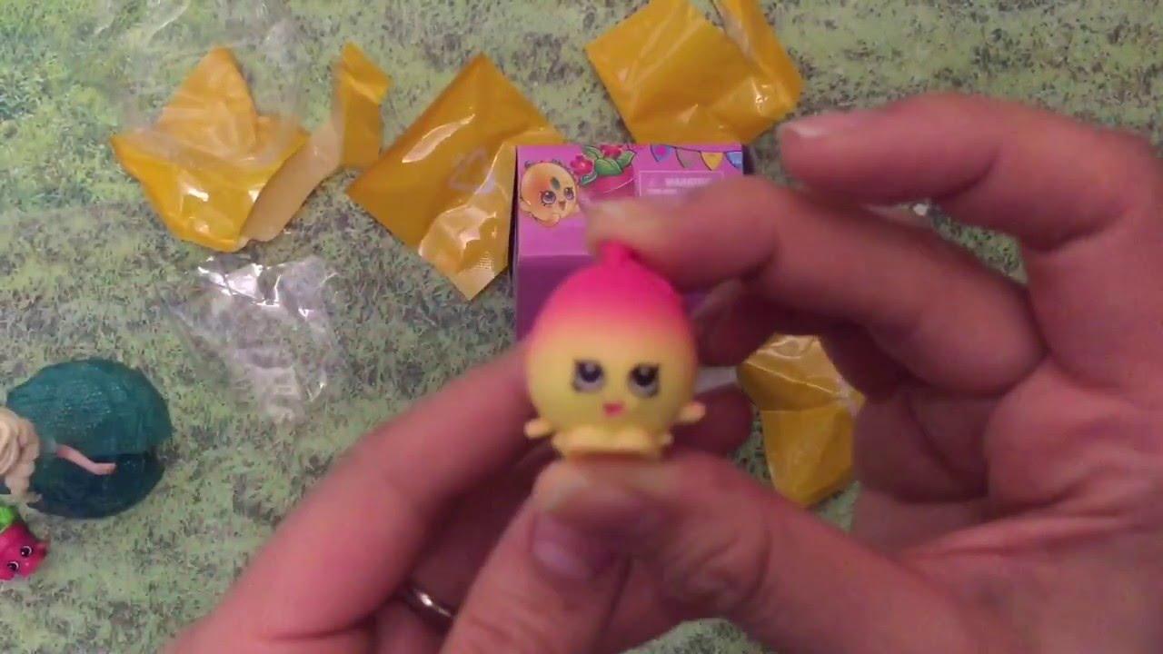 NEW Shopkins Season 4 Moose Toys #4-079 Yellow Goldie Fish Bowl