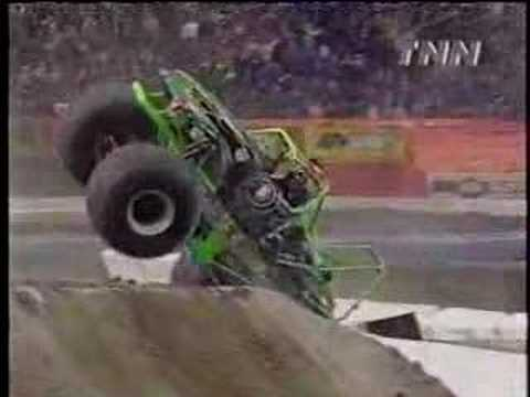 that black and green wrecking machine Grave Digger