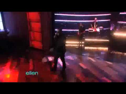 Taio Cruz Performs 'Dynamite'