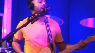 """Van Hunt performing """"Eyes Like Pearls"""" on KCRW"""