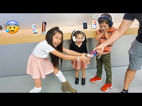 Txunamy Says Good Bye To Her iPhone X !! | Familia Diamond