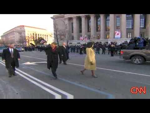 President Obama & First Lady walk down Pennsylvania Ave