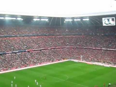 Daniel Van Buyten - Free Kick vs Bayer 04 Leverkusen - 2:0 LIVE