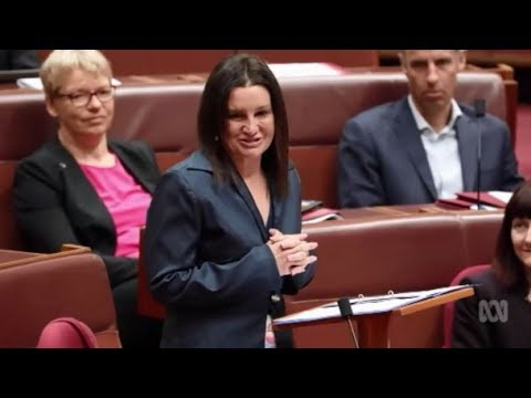 Jacqui Lambie resigns after revealing she's a dual citizen