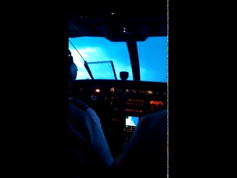 Cessna Caravan landing at Southwest Oregon Regional Airport (OTH)