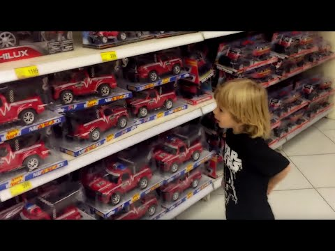 Minnie Mouse From ClubHouse + McQueen Cars + Monster Giant Truck Shopping With Gerti Toys