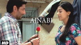 Jolly LLB: Ajnabi Ban Jaye Song By Mohit Chauhan | Arshad Warsi, Amrita Rao
