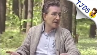 Noam Chomsky Explains Why Dems Are Suddenly Scared Of Putin