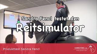 Sandra Fencl testet den Reitsimulator in Aschheim