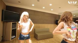 Repeat youtube video AOA - 흔들려 (Confused) Dance Practice Video (Eye Contact ver.)