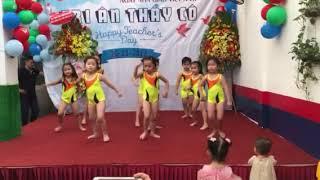 Bé Minh Anh múa 20.11.2017