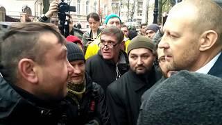 Військові вигнали Тетерука з акції протесту у центрі Києва